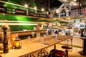 Bar en grill restaurant