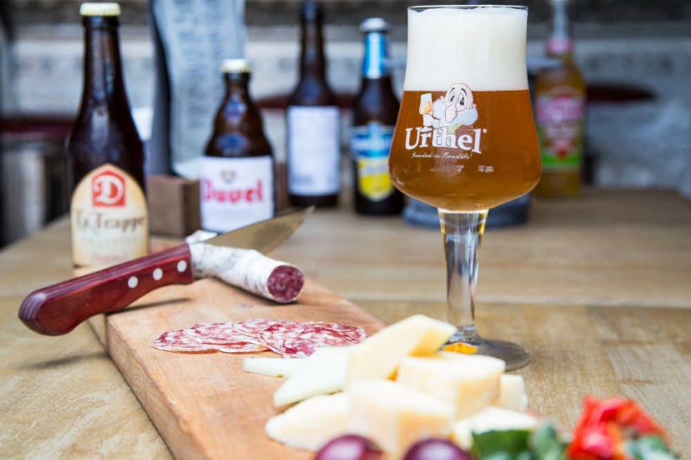 Bar en grill restaurant in Scheveningen